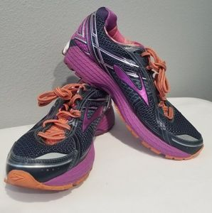 Brooks Adrenaline GTS 15 Womens Size 11 Shoes